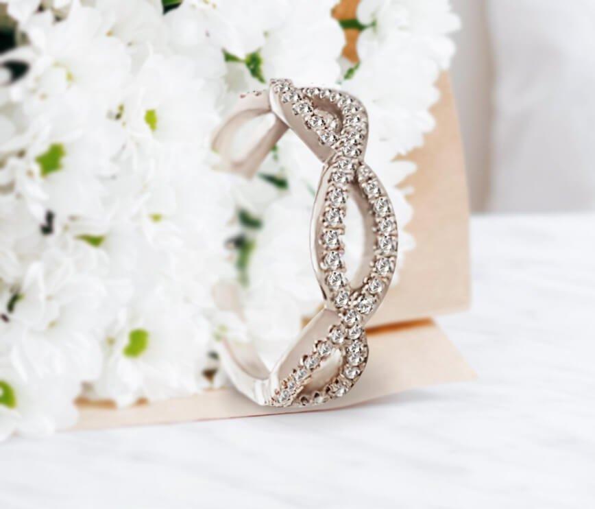 Infinity Style Diamond Wedding Ring