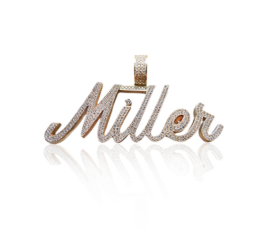 Family Jewellery: Personalized Script Nameplate Necklace