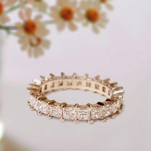 Princess Cut Diamond in Shared Prong Eternity Wedding Ring