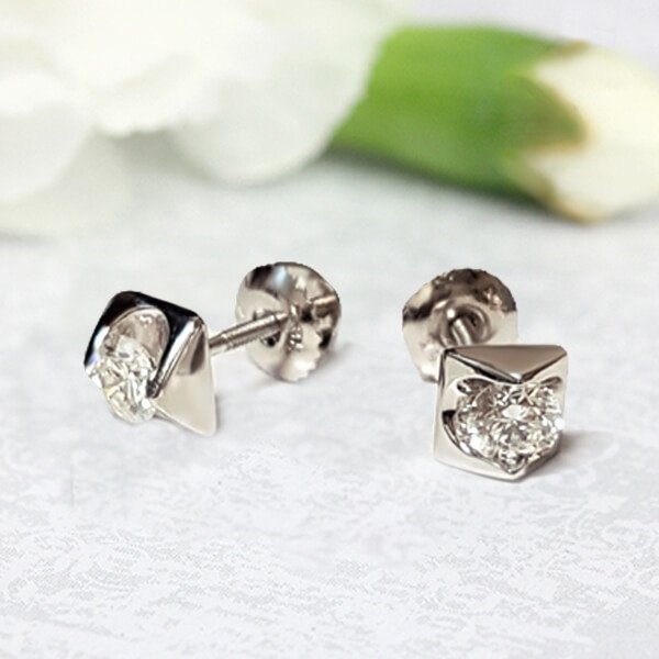 Triangle Shaped Solitaire Round Cut Diamond Stud Earrings