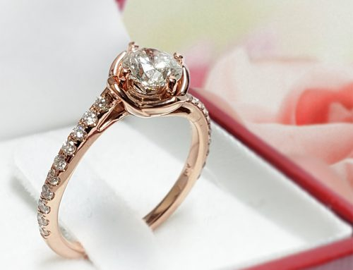 Flower Engagement Ring Features Round Diamond in Rose gold